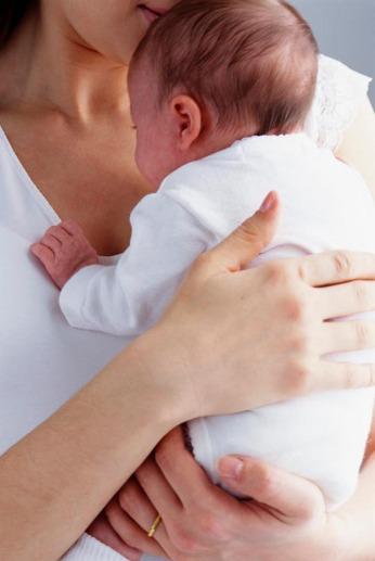 Bebé-en-brazos